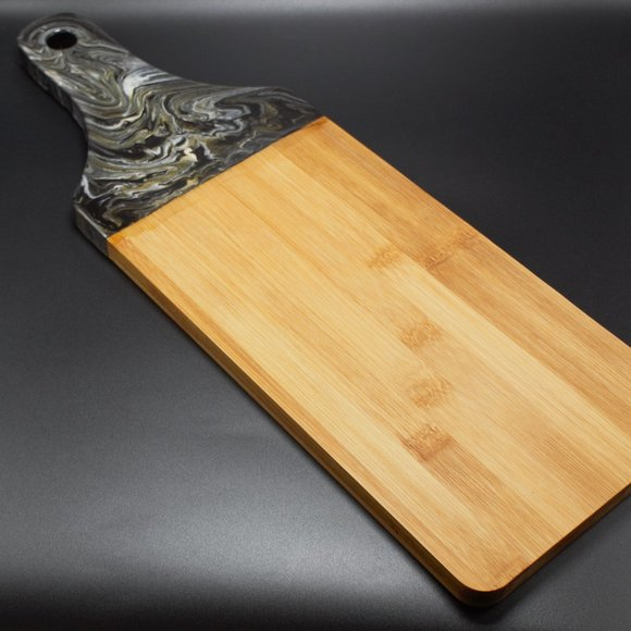 NWOT Fluid Art Bamboo Serving Paddle, Cheese Board